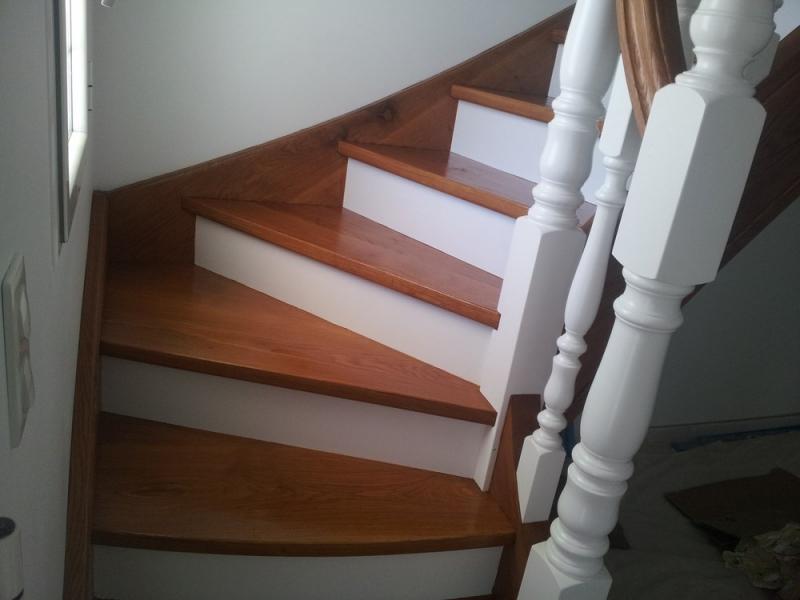 Peinture et lasure pau pyr n es atlantiques 64 pereira de oliveira francis for Quelle peinture pour peindre un escalier en bois